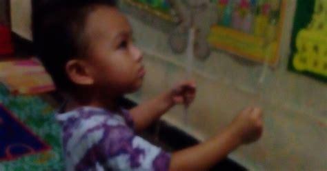 Setelah anak merasa mampu, maka akan timbul keinginan untuk mempelajari alat musik lainnya. CARA MEMBUAT SENDIRI ALAT PERMAINAN EDUKATIF (APE) UNTUK PAUD-TK ~ ANAK PAUD BERMAIN BELAJAR