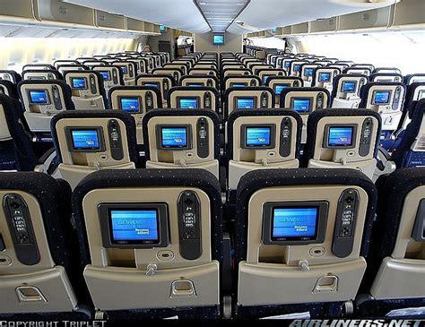 interieur boeing 777 air si 232 ges dans un avion boeing 777 300 d air en classe 233 conomique compagnies a 233 riennes
