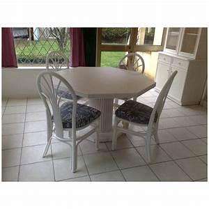 Pied De Table A Manger : table de salon en rotin octogonale pied central ~ Teatrodelosmanantiales.com Idées de Décoration