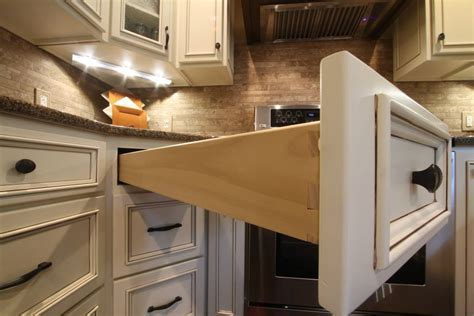 Maple Flat Panel With Applied Trim   Schmidt Custom Cabinetry