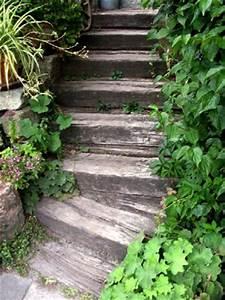 Treppe Bauen Garten : garten anders idee haltbare treppe aus eisenbahnschwellen ~ Lizthompson.info Haus und Dekorationen