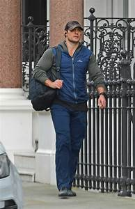 henry cavill in a brown cap was seen in central