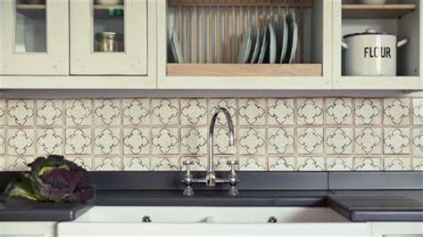 choosing kitchen tiles 6 top tips for choosing the kitchen tiles bt 2191