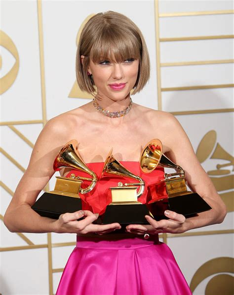 Taylor Swift: 'Ho sofferto di disturbi alimentari'   DireDonna