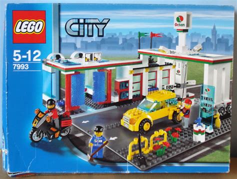 lego city  en  lego tankstation en motogp