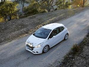 Entretien Périodique Peugeot 208 : type d 39 ampoule et kit x non entretien peugeot 208 forums peugeot f line ~ Medecine-chirurgie-esthetiques.com Avis de Voitures