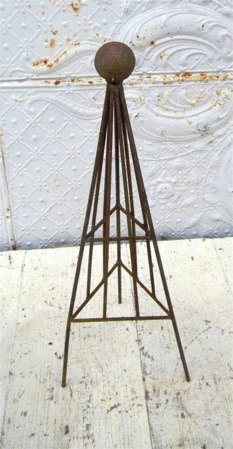 Wrought Iron Small Triangle Topiary With Ball Top Trellis