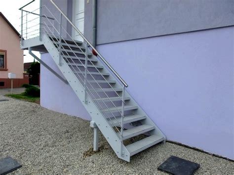 Escalier Exterieur Metal Escalier Ext 233 Rieur Avec Dalles De Terrasse Metal Concept Escalier Ferronnerie D Alsace