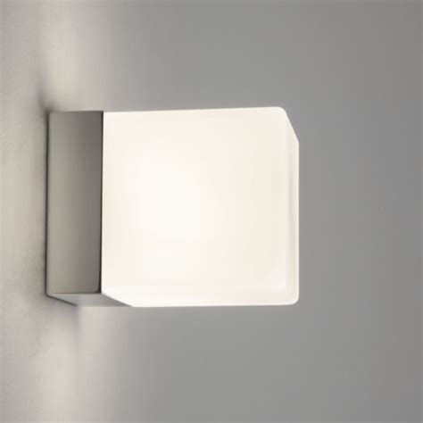 cube 0635 bathroom wall light