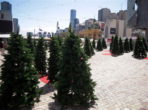 federation square artificial christmas tree installation