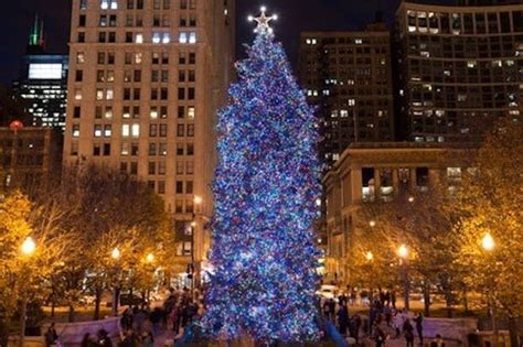 millennium park christmas lights when is the chicago christmas tree lighting time set for