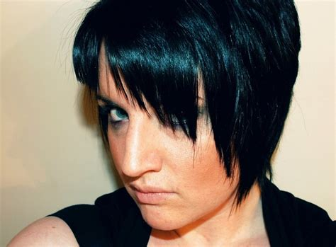 Black Hairstyles With Bangs And Layers by Black Hairstyle With Layers And Swept Bangs