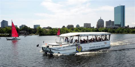 Duck Boat Tours In Chicago by Boston Duck Tours Tickets Included On Go Boston 174 Card