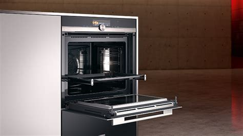 Cooking and baking with Siemens kitchen appliances