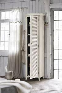 Weißer Kleiderschrank Landhausstil : white cottage white house garderobe pinterest schrank haus und vorh nge ~ Markanthonyermac.com Haus und Dekorationen