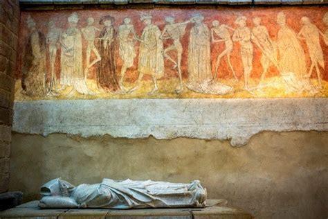 histoire de la chaise mille ans d histoire à la chaise dieu la croix