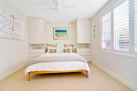 ikea lade da soffitto кровать между шкафами в спальне 10 идей