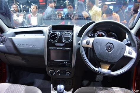 renault duster 2015 interior 2016 renault duster facelift amt launched at 8 46 lakhs specs