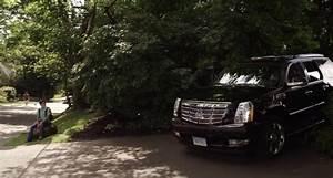 "IMCDb.org: 2007 Cadillac Escalade [GMT926] in ""Grown Ups 2 ..."