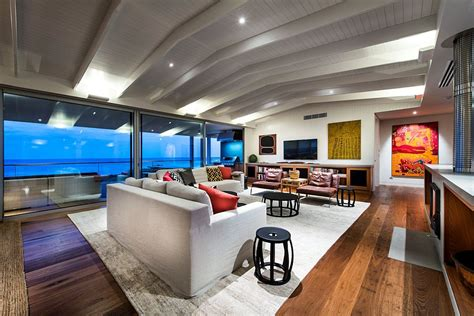 private beach house  ocean views   woodsy silhouette