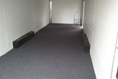 checkered vinyl flooring for trailers race car trailer floor covering ourcozycatcottage