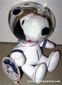Peanuts General Hallmark Plush Toys | CollectPeanuts.com