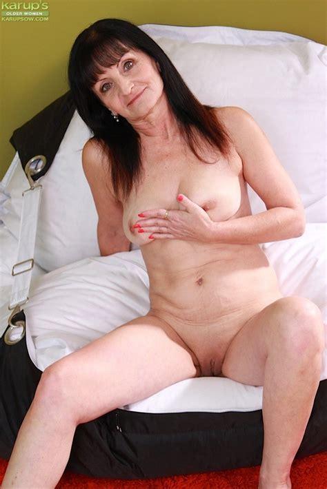Older Granny Ginger Kovra Fingering Her Mature Pussy