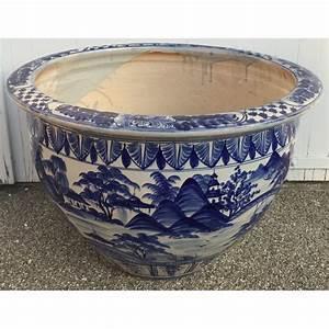 Cache Pot Bleu : grand cache pot en c ramique bleu blanc sur moinat sa antiquit s d coration ~ Teatrodelosmanantiales.com Idées de Décoration
