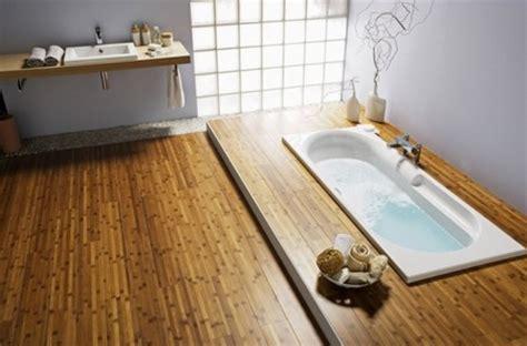 poser du parquet dans une salle de bain frenchimmo