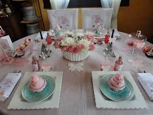 Idée Déco Table Anniversaire : une table d 39 anniversaire girly et gourmande ~ Melissatoandfro.com Idées de Décoration