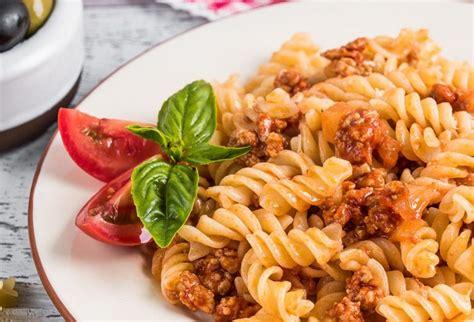 Makaroni ar malto gaļu - 9 garšīgas receptes