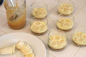 FOTO: Banānu un karameļu deserts ar krēmu | Praktiski.lv