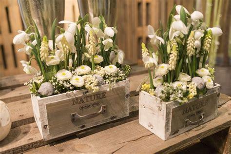 deko frühling 2017 bilder fr 252 hjahr januar 2017 willeke floristik holz deko fr 252 hling fr 252 hlings dekoration und