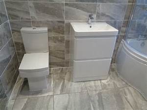 White bathroom suite peenmediacom for Bathroom yiles