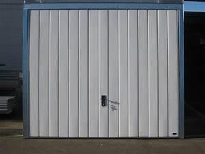 Portes de garage basculantes 101 ventiles les actualites for Porte garage spadone