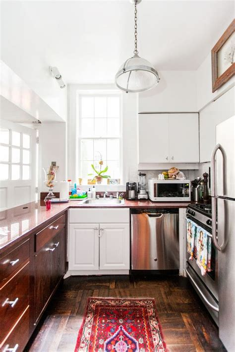 how to revive kitchen cabinets diy ideas to revive your rental kitchens l essenziale