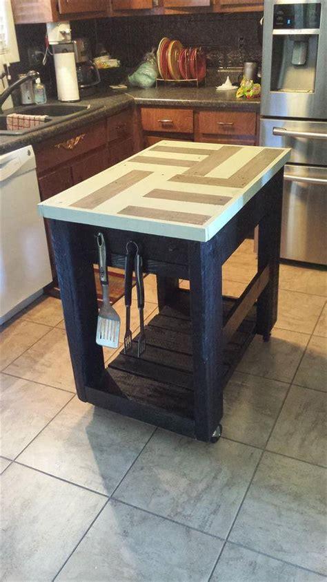 diy pallet  barn wood kitchen island table  pallets