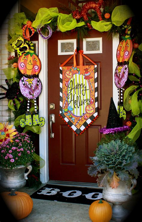 halloween door decorations    decor