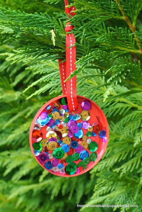 plastic lid christmas ornament perfect for kids to make