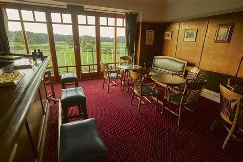 clubhouse stockport golf club