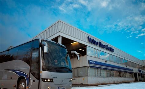 indian luxury buses volvo opens bus centers  india