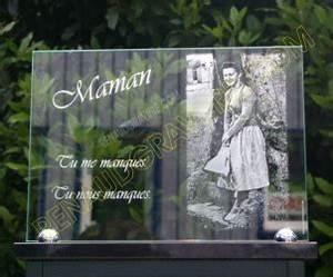 plaques funeraires personnalisees en verre grave 1 With déco chambre bébé pas cher avec articles funéraires fleurs en porcelaine