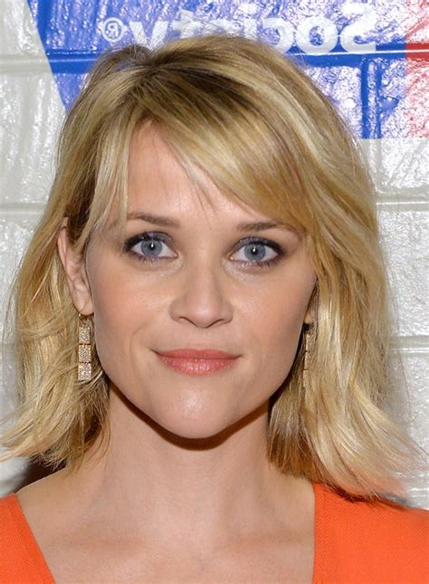 reese witherspoon shoulder length wavy hairstyle