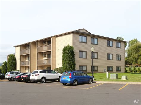 Apartment Finder Syracuse Ny by Newbury Apartment Homes Syracuse Ny Apartment Finder