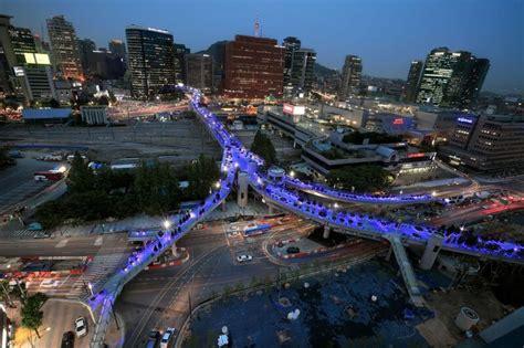 seoul line overpass korea 7017 soul south park seoullo section capital garden own its street sky washingtonpost open builds glow
