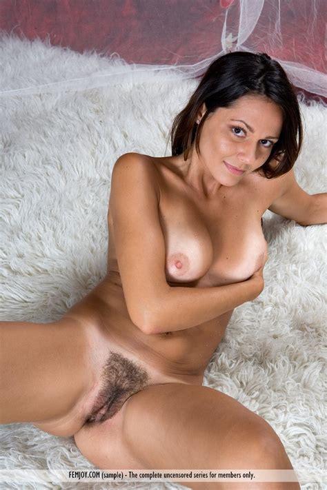 Italia Nude Girl Models Nude Gallery