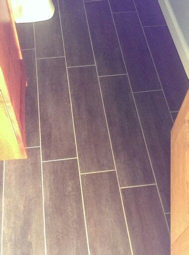 Groutable Vinyl Tile In Bathroom by 17 Best Images About Flooring On Gray Vinyls