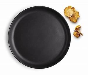 Assiette Noire Mat : assiette plate nordic kitchen eva solo 22 cm noir mat 22 made in design ~ Teatrodelosmanantiales.com Idées de Décoration