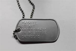 File:US Dog Tag with Surname, First name, Social Security ...