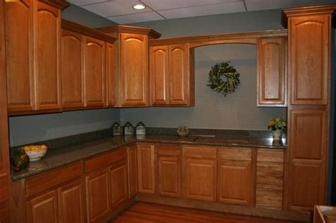 oak kitchen cabinets and wall color the world s catalog of ideas 8966